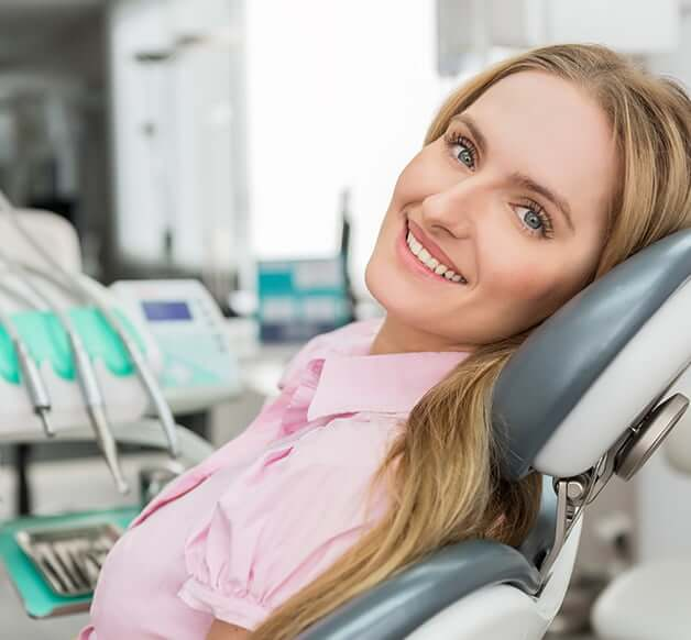 woman visiting the dentist